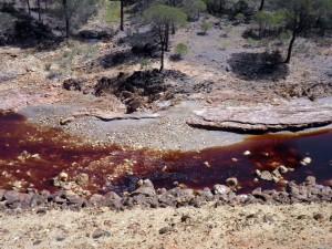 Cauce del riotinto en Huelva